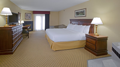 King Room at Music Road Resort Hotel | Hotels in Pigeon Forge